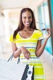 Африканские покупки девушки Стоковое фото RF