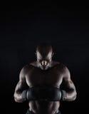 Африканский боксер подготавливая для боя Стоковая Фотография