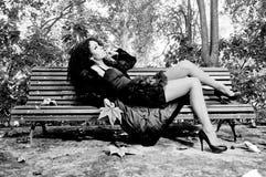 африканский парк стенда распологая женщину Стоковое Фото