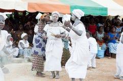 Африканский сбор женщин для традиционного танца стоковые фото
