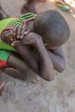 Африканский сельский заискиванный мальчик, Стоковые Фотографии RF