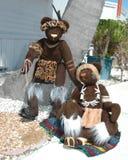 2 африканских медведя сидя снаружи Стоковое Изображение