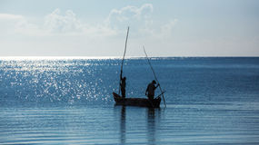 Африка, Кения, рыболовы, утро, океан, рыболовы в шлюпке, Момбасе Стоковое Изображение