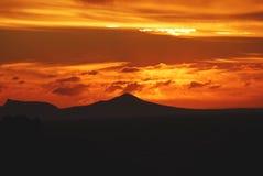 Африка славное Suneet над горой таблицы от Rooi Els, южного Стоковые Фото
