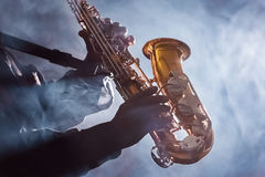 Афро-американский клуб Preformer син джазового музыканта Стоковые Фото