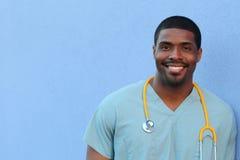 Афро-американский черный профессионал здравоохранения с космосом экземпляра стоковые изображения