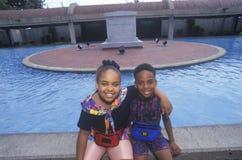 2 Афро-американских дет в центре Мартин Лютер Кинга, Атланте, Georgia Стоковое Изображение