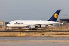 Аэробус A380-800 авиакомпании Luftnahsa Стоковое фото RF