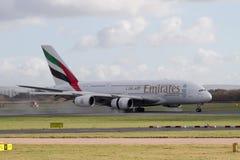 Аэробус A380 авиакомпаний эмиратов стоковые фотографии rf