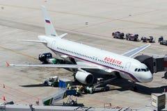 Аэробус A320-214 авиакомпаний VQ-BBM Rossiya Стоковое Изображение RF