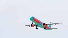 Аэробус A321 в небе Стоковая Фотография