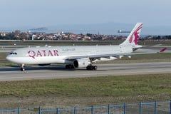 Аэробус A330-302 A7-AEI Qatar Airways Стоковые Изображения RF