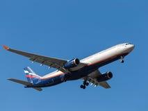Аэробус A330 a Bakoulev Стоковое Изображение