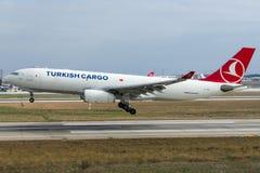 Аэробус A330-243F MERIC груза TC-JDO Turkish Airlines Стоковое Изображение RF