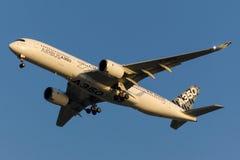 Аэробус A350-941 F-WWYB Стоковое Изображение