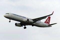 Аэробус A321-231 KECIOREN TC-JSJ Turkish Airlines Стоковые Изображения RF
