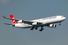 Аэробус A340-313X KOCAELI TC-JIH Turkish Airlines Стоковые Фотографии RF