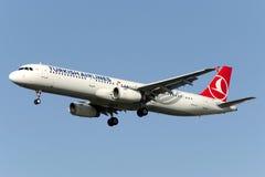 Аэробус A321-231 TC-JSF Turkish Airlines Стоковые Изображения RF