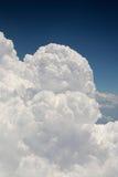 аэроплан как увиденный кумулюс облаков Стоковое Фото