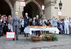 30-ая улица - международный фестиваль уличных театров в Cracow, Польше Стоковые Фотографии RF