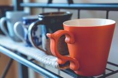 1-ая чашка экземпляра кофе придает форму чашки космос рядка фокуса Стоковые Изображения RF