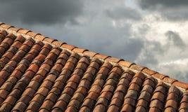 Ая черепицей крыша Стоковые Изображения