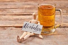 Алкоголизм убивает организм стоковая фотография