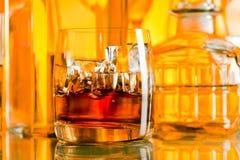 Алкогольные напитки в баре стоковое фото rf