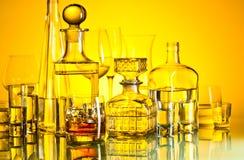 Алкогольные напитки в баре стоковые изображения