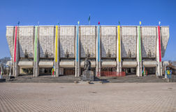 Алма-Ата - театр драмы положения казаха академичный стоковые фото