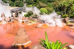 Ад пруда крови Chinoike Jigokuor в Beppu, Oita, Японии Стоковое Изображение RF