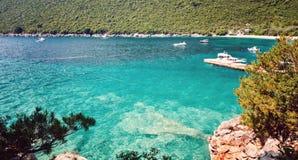 Адриатическое море Черногория Lustica полуострова пляжа Zanjic вида на море Стоковые Изображения RF