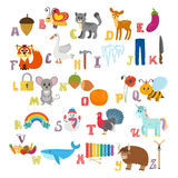 Алфавит детей с милыми животными шаржа и другим смешным elem Стоковая Фотография