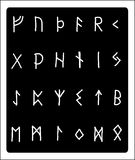 Алфавит притяжки руки Runic стоковые фотографии rf