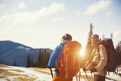 2 альпиниста с рюкзаками Стоковое фото RF