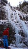 Альпинист льда в Sottoguda Стоковое Фото