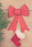 алюминиевым сортированное расположением рождество ведра орнаментирует красный цвет Стоковые Изображения RF