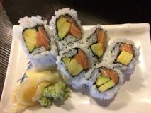 Аляскские суши крена в ресторане Стоковые Фото