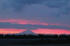 Аляскский заход солнца пляжа Стоковые Изображения
