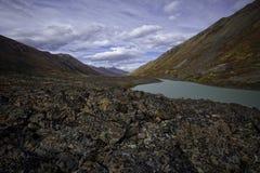 Аляскское озеро задняя стран Стоковые Фотографии RF