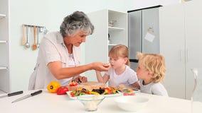 Бабушка варя с ее внуками акции видеоматериалы