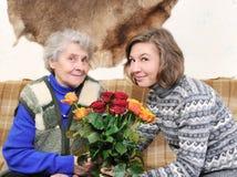бабушка внучки Стоковые Фото