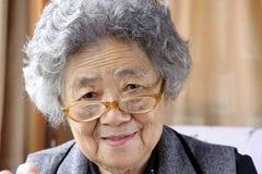 бабушка счастливая стоковое изображение rf