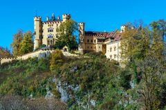 Бавария, Германия - 15-ое октября 2017: Замок Hohenschwangau, chil Стоковое Фото