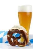 баварская пшеница полотенца кренделя пива Стоковые Фото