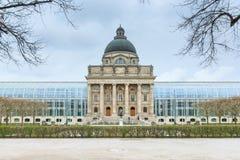 Баварское здание ведомства канцлера положения, Мюнхен стоковая фотография rf