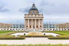 Баварское здание ведомства канцлера положения, Мюнхен стоковые изображения rf
