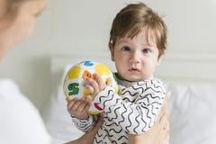 багги ребёнка заволакивает солнце illusytration стоковое изображение