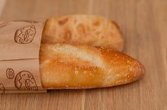 2 багета в бумажной сумке Стоковая Фотография RF