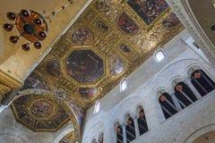 Базилика St Nicholas, Бари, интерьера стоковое фото